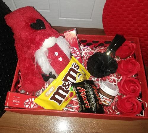 باکس هدیه شماره 12 - لی لی پوت و شکلات + ادکلن