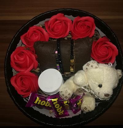باکس هدیه شماره 5 - خرسی شکلاتی + دستبند